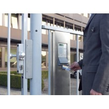 Portabadge Durable Duo 54x85mm con clip girevole trasparente Conf. 25 pezzi - 801319